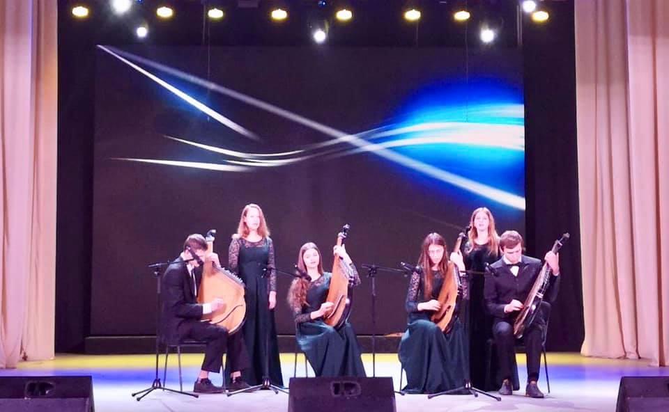 Ансамбль бандуристів «Чарівні струни»